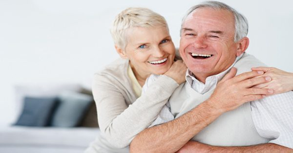 chiropractic care el paso, tx. elderly couple laughing