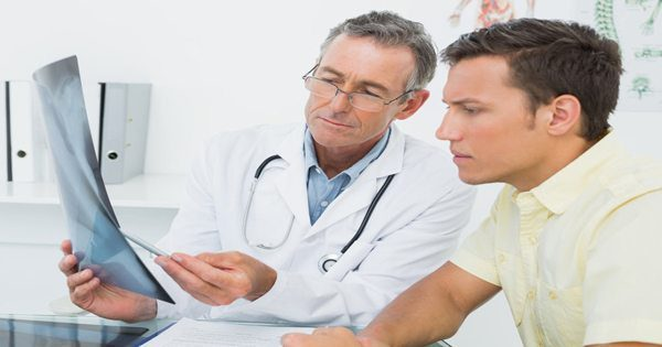 blog picture of doctor explaining to patient about hearing loss