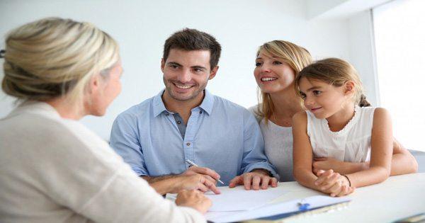 blog immagine di marito, moglie, figlia e chiropratico