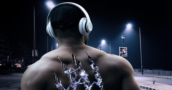 blog picture of muscular man with back turned and can see inside which looks like a machine