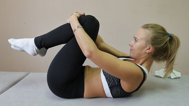 blog di foto della signora facendo esercizio