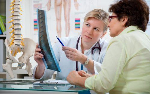 Osteopenia y osteoporosis lesión medico quiropráctica clínica el paso tx.