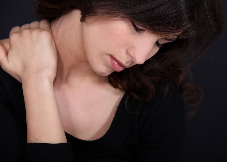 This image has an empty alt attribute; its file name is woman-chronic-neck-pain_02.jpg