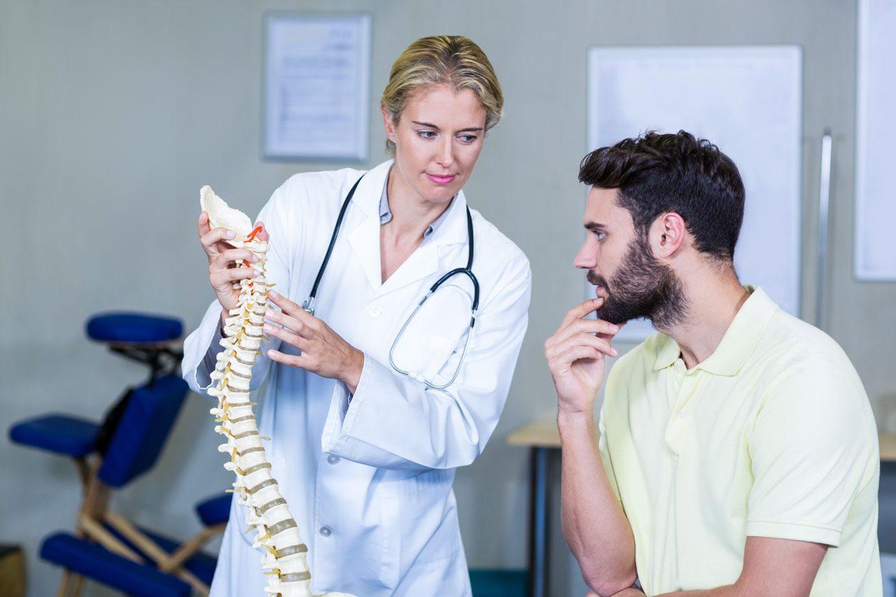 11860 Vista Del Sol, Ste. 128 Osteoma osteoide de la columna vertebral: espasmos musculares y dolor