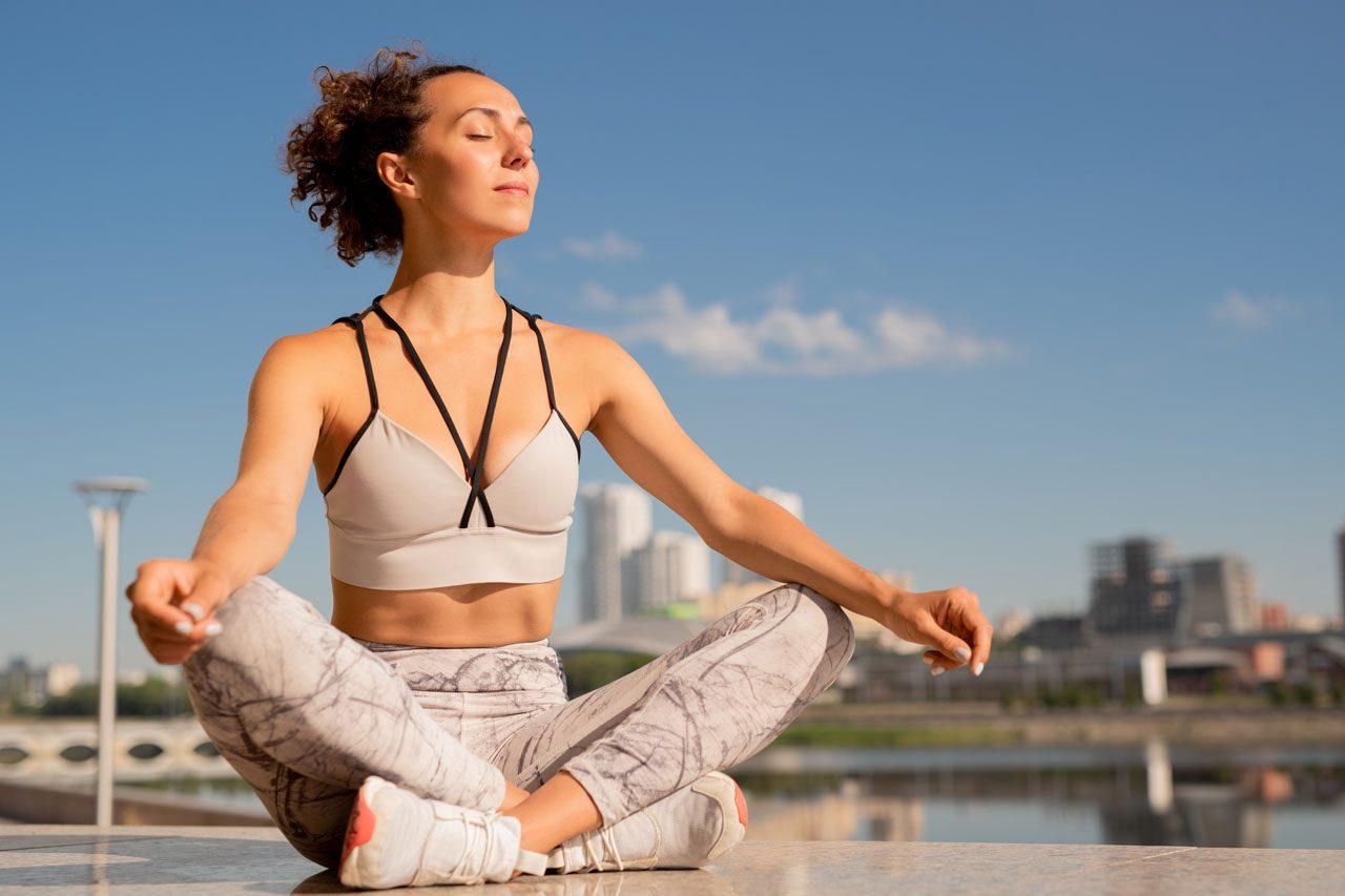 11860 Vista Del Sol, Ste. 128 Kvėpavimas ir meditacija dėl nugaros skausmų