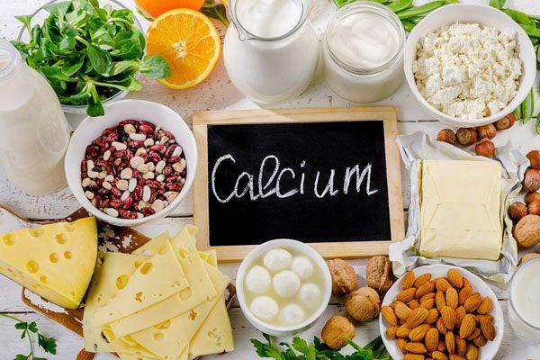 11860 Vista Del Sol, Ste. 128 calcio y vitamina D para una salud ósea óptima
